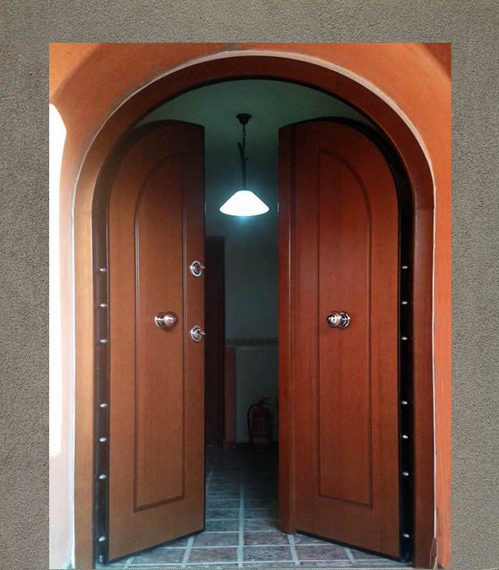 θωρακισμένες τοξωτές πόρτες ασφαλείας