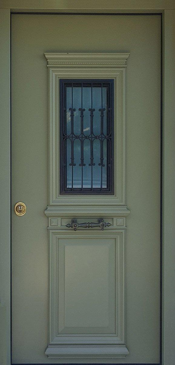 πορτα ασφαλειας με παραθυρο