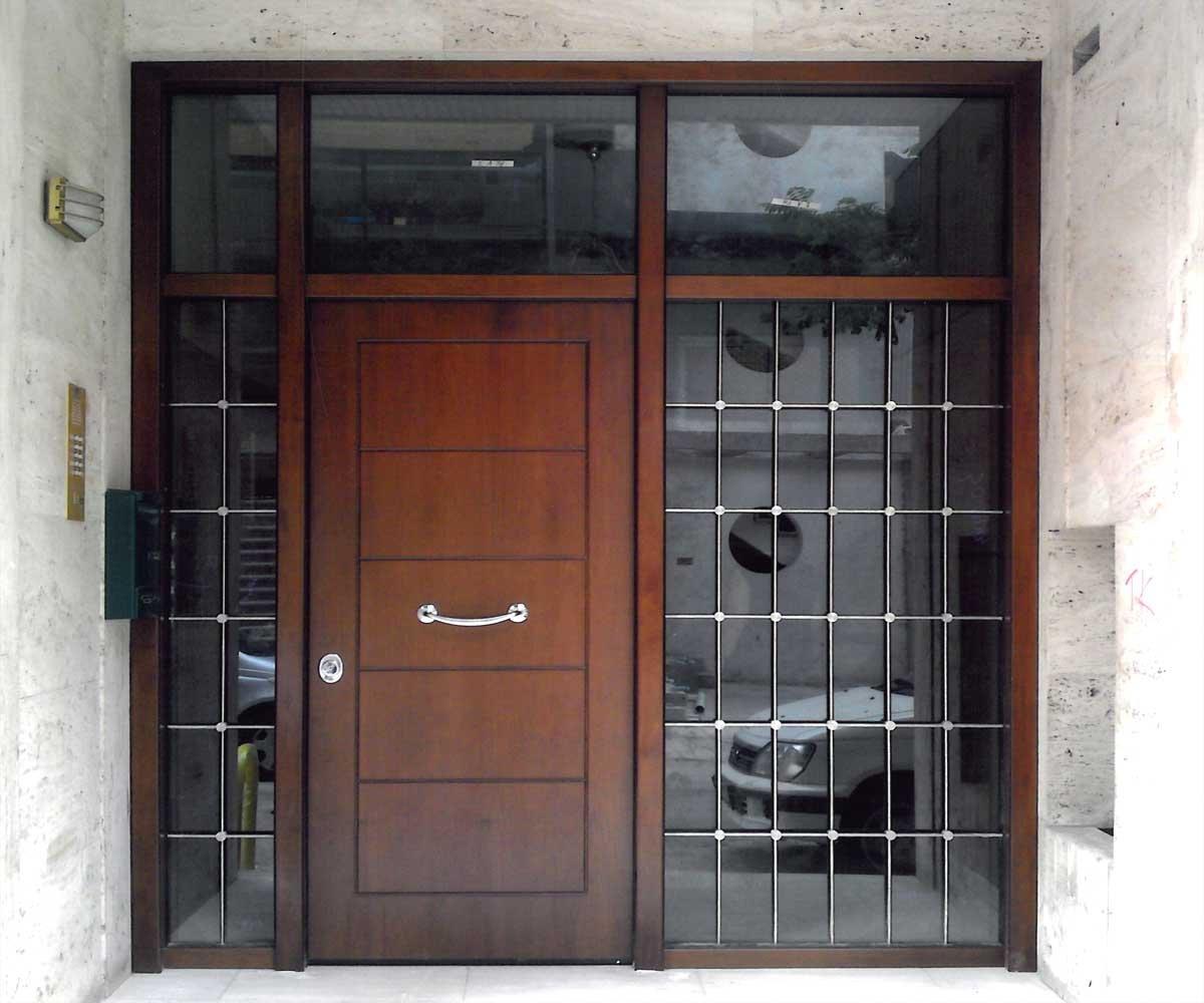 θωρακισμένη πορτα εισοδου τζάμια inox κάγκελα | siamo.gr