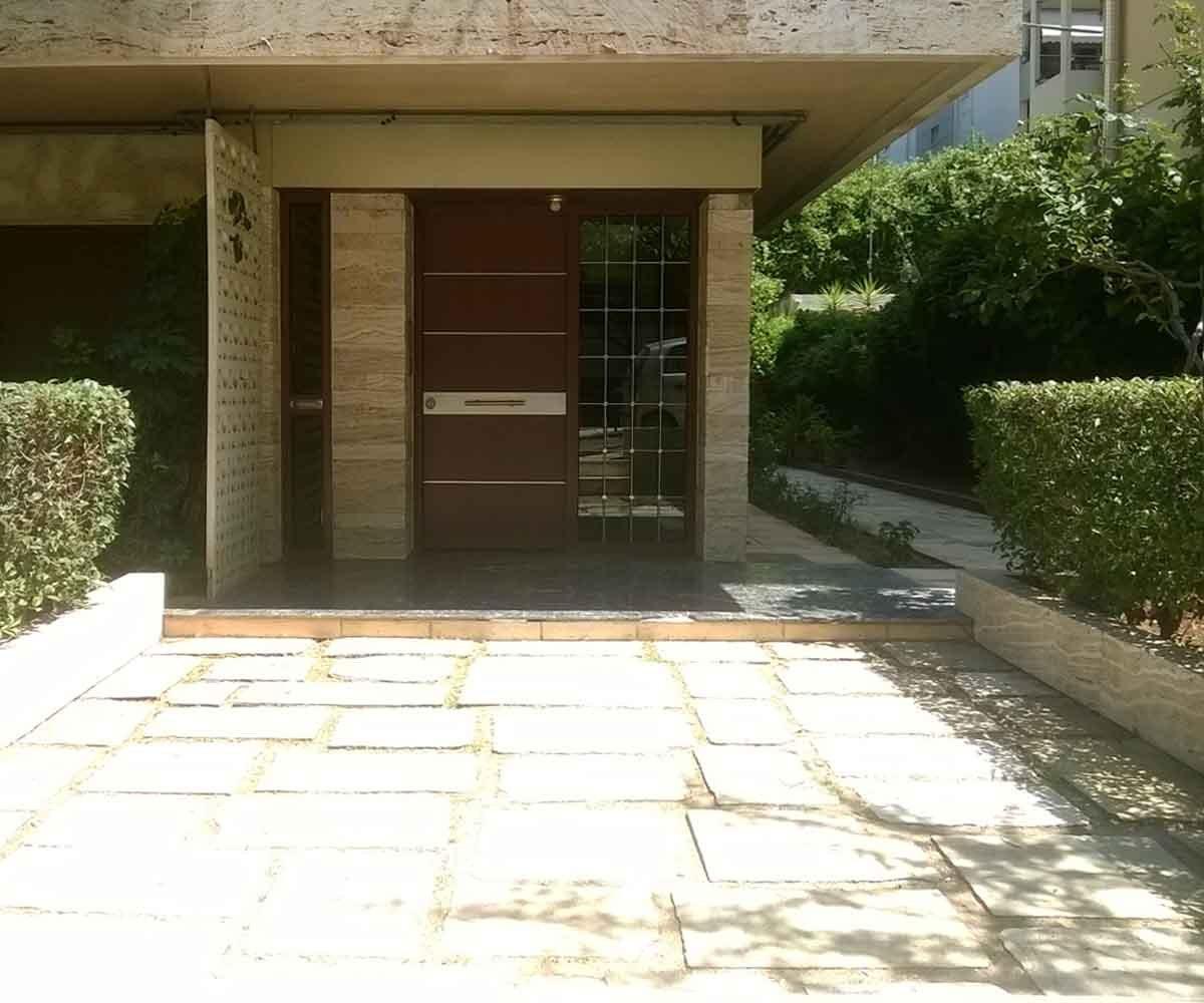 κεντρική είσοδος θωρακισμένη πόρτα ασφαλείας inox κάγκελα