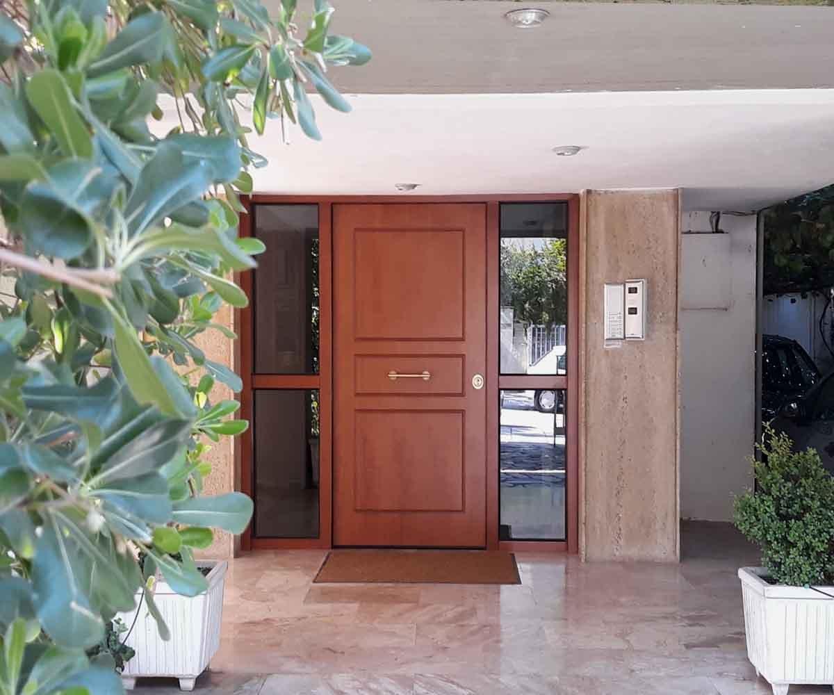 Θωρακισμένη πόρτα ασφαλείας για είσοδο πολυκατοικίας | siamo
